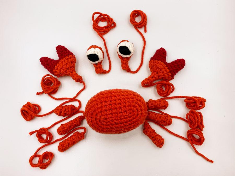 Sebastian-the-crab-crochet-pattern-12